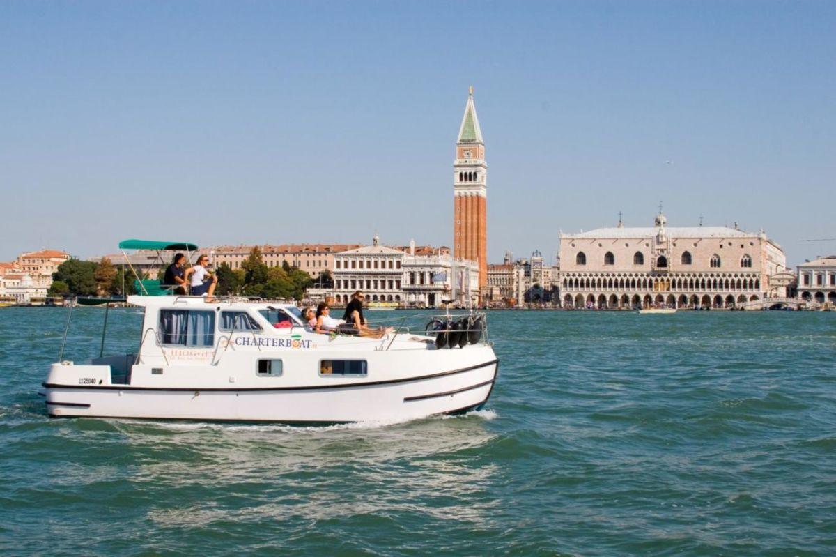 Hausboot bewohnbares Boot in Venedig