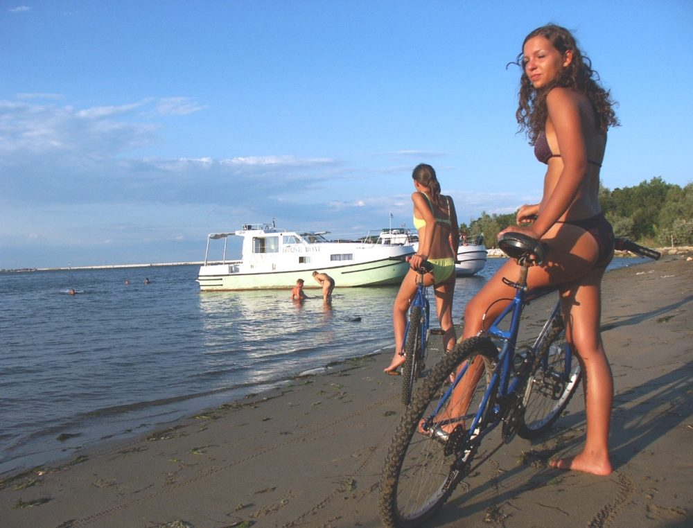bicycles on the beach charterboat rendez vous fantasia