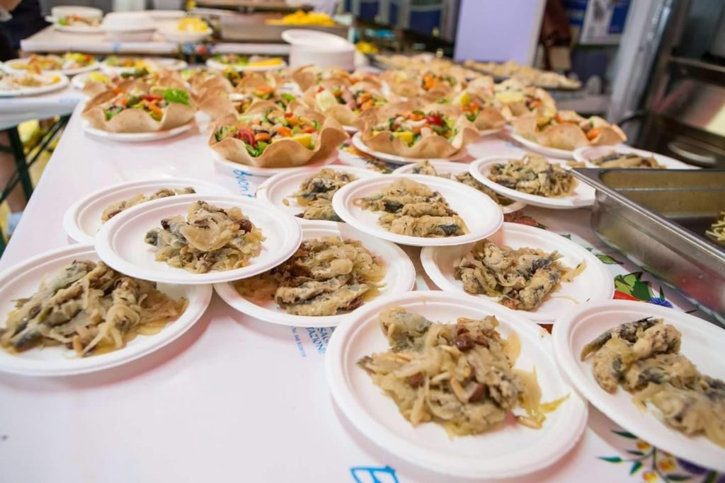 sardinen in saore Fischfestival Chioggia Venedig