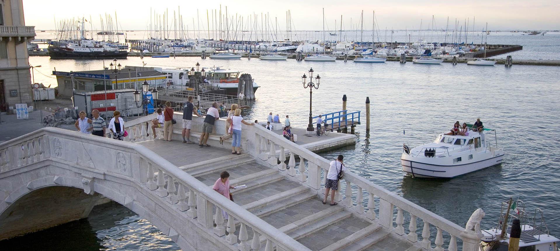Bateau habitable rendez vous fantasia Pont de Chioggia Vigo