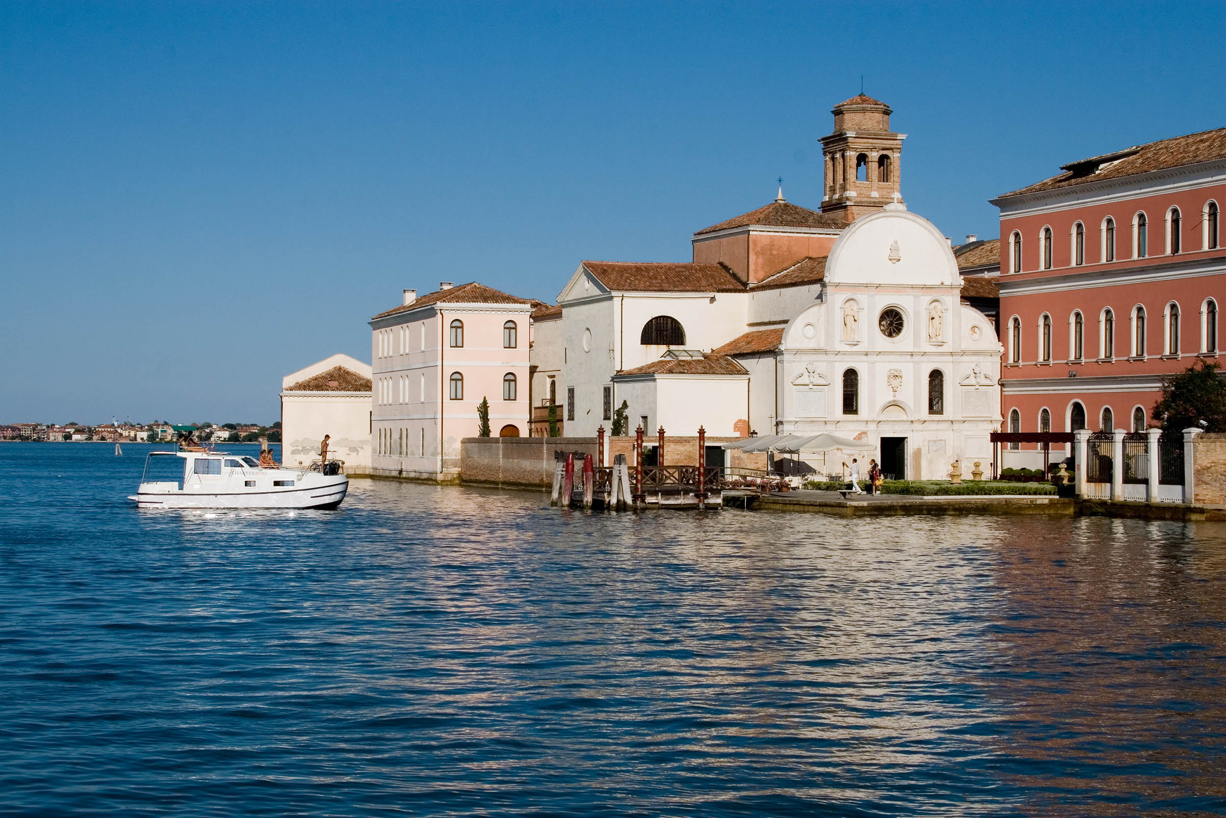 Hausboote Venedig Lagune San Servolo Bugstrahlruder