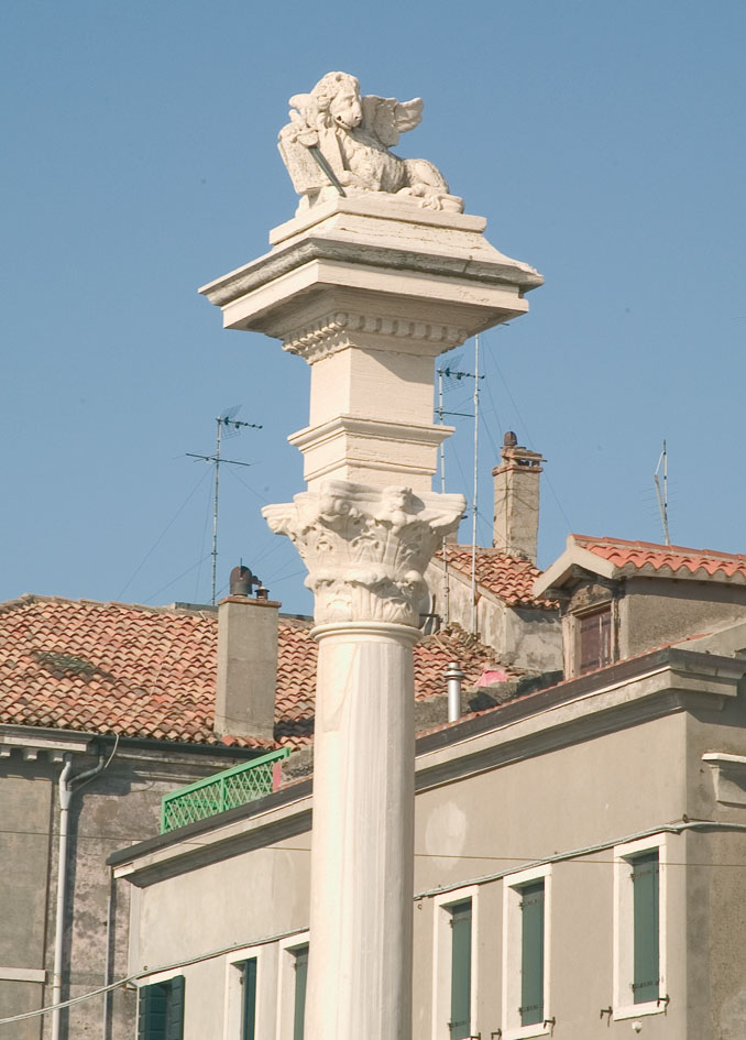 the cat of Chioggia the winged lion of Chioggia