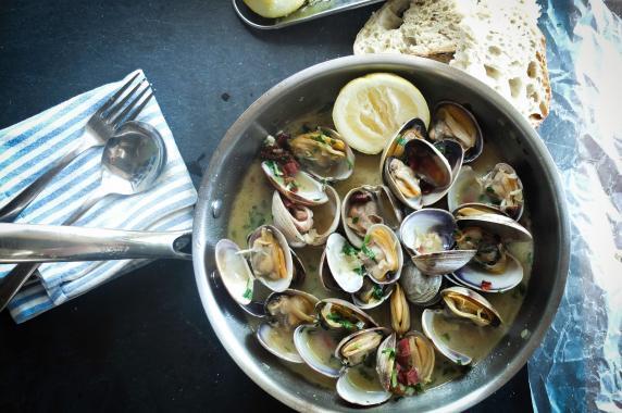 "clams ""in cassopipa"" typical recipe"