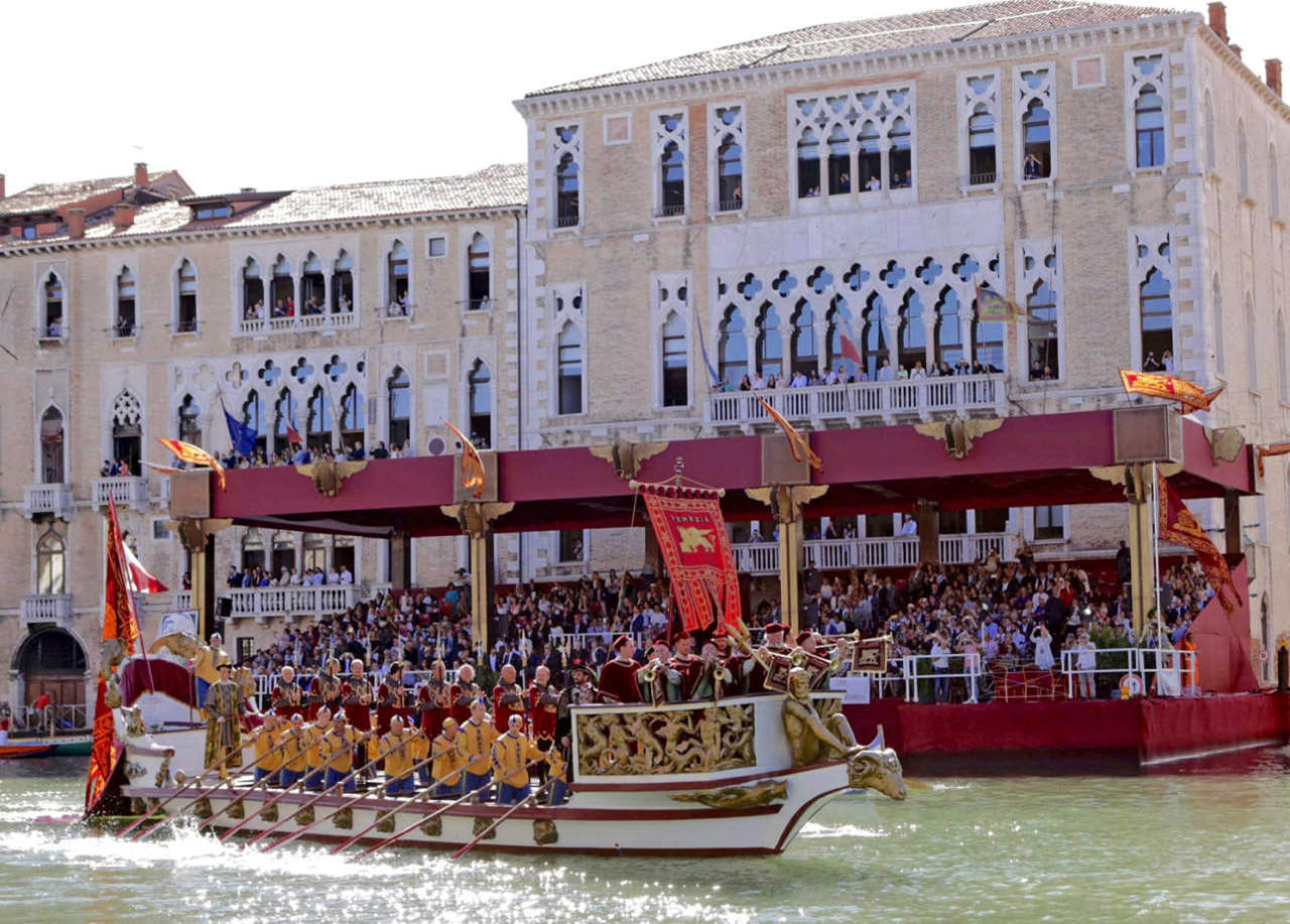 corteo regata storica venezia la machina