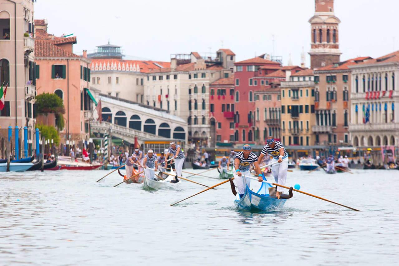 regata storica venezia 2019 canal grande gondolini cover