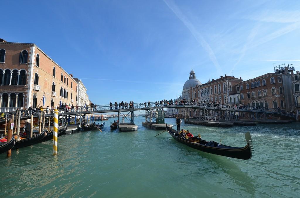 Ponte votivo madonna della salute Venezia